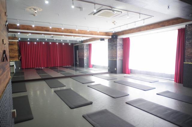川崎 ヨガスタジオ,ヨガ教室,ピラティス教室,ヨガマット