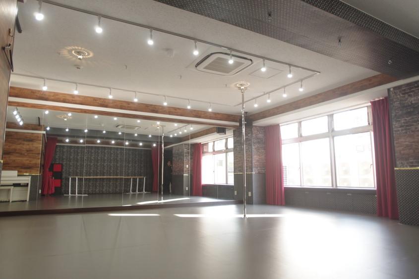 川崎 レンタルスタジオ は明るい